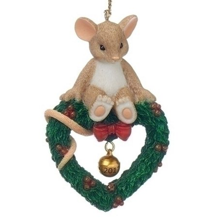 Mouse on a Wreath
